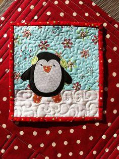 Penguin mug rug