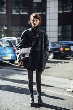 Fashion Week Fall 2018 Attendees Pictures Attendees at London Fashion Week Fall 2018 - Street Fashion.Attendees at London Fashion Week Fall 2018 - Street Fashion. La Fashion Week, Fall Fashion Trends, London Fashion, New York Fashion, Autumn Fashion, Christmas Fashion, Fall Trends, Fashion Weeks, Spring Fashion