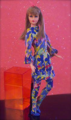 Vintage Barbie - Mod Era Twist n' Turn Barbie - Summer Sand