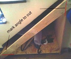 How to build an under stairs pull-out storage – DIY projects for everyone! Basement Storage, Basement Stairs, Stair Storage, Diy Storage, Hallway Designs, Under Stairs, Small Space Living, Diy Furniture, Diy Projects