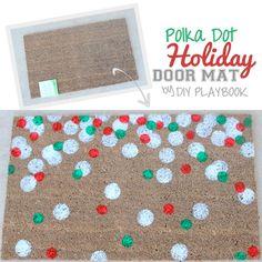 Polka Dot Holiday Door Mat Tutorial (Takes less than 20 minutes and makes a perfect Secret Santa Gift!)