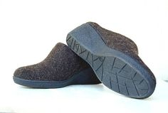 Felted closed toe mules for cold feet from natural wool