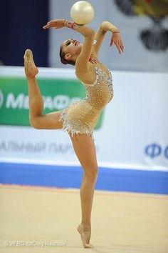 Rythmic gymnastics best sport ever Rhythmic Gymnastics Training, Gymnastics Flexibility, Acrobatic Gymnastics, Sport Gymnastics, Artistic Gymnastics, Rhythmic Gymnastics Leotards, Olympic Gymnastics, Gymnastics Problems, Olympic Games