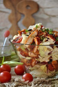 Krucha sałatka z panierowanym kurczakiem Healthy Snacks, Healthy Eating, Healthy Recipes, Appetizer Recipes, Salad Recipes, Good Food, Yummy Food, Sprout Recipes, Macaron