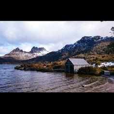 """Dove lake ✌ #discovertasmania #myislandhome #dovelake #winterwonderland"""