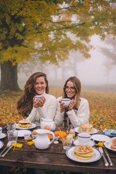 Gal Meets Glam Misty Morning In Vermont - Morning breakfast and tea