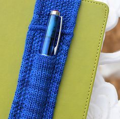 Journal Band with Pen Pocket pattern by Laura Crowley - Knitting patterns, knitting designs, knitting for beginners. Knitting Designs, Knitting Patterns Free, Free Knitting, Knitting Projects, Crochet Projects, Crochet Patterns, Free Pattern, Kids Knitting, Knitting Ideas