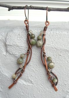 long boho earrings wire wrapped earrings by Kissedbyclover to make for Sarah Copper Jewelry, Wire Jewelry, Jewelry Art, Beaded Jewelry, Jewelry Design, Jewelry Ideas, Jewellery, Wire Wrapped Earrings, Wire Earrings
