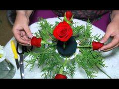 Wrap a bouquet Flower Arrangement Designs, Unique Flower Arrangements, Ikebana Flower Arrangement, Beautiful Bouquet Of Flowers, Diy Wedding Flowers, Unique Flowers, Orchid Centerpieces, Wedding Table Centerpieces, Deco Floral