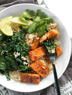 Chili Garlic Tofu Bowls are a fiber and flavor filled healthy lunch that you can pre-pack for your week ahead. BudgetBytes.com