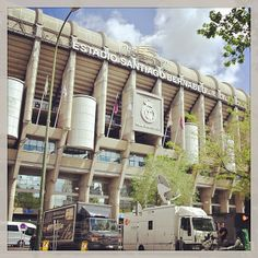 Estadio Santiago Bernabéu, Madrid. Santiago Bernabeu, As Roma, Real Madrid, Cubs, Soccer, Football, Places, Sports, Beautiful