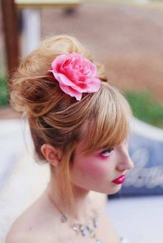 Pretty and elegant wedding hair ideas. Hair Stylist: Erica Marshall ---> http://www.weddingchicks.com/2014/05/28/springtime-soiree-for-your-besties/