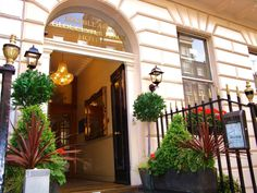 London Gloucester Place Hotel United Kingdom, Europe Stop at Gloucester Place Hotel to discover the wonders of London. Featuring a complete list of amenities, guests will find their stay at the property a comfortable one. Free Wi-Fi in all rooms, Wi-Fi in public areas, family room, concierge, safety deposit boxes are on the list of things guests can enjoy. Some of the well-appointed guestrooms feature television LCD/plasma screen, internet access – wireless (complimentary), no...