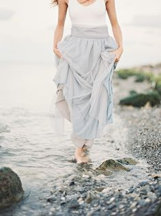 Ethereal beach inspiration shoot by Alicia Pyne - via Magnolia Rouge