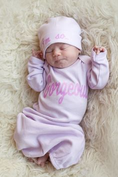 Gorgeous Newborn Baby Layette Gown and Hat Clothing Set with Pink Glitter Letters Newborn Baby Girls Clothes Gift Baby Shower