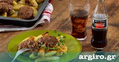 Αφράτα μπιφτέκια με λεμονάτες πατάτες στο φούρνο από την Αργυρώ Μπαρμπαρίγου | Η πιο νόστιμη συνταγή για μπιφτέκια φούρνου!