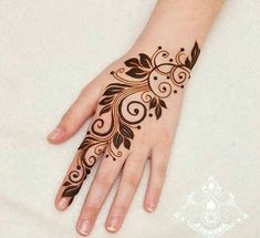 henna hand is an example of a picture image from various design motifs to draw your hand This design is very to be made and activated, hopefully this application can help you to work on designing henna in your hands Henna Hand Designs, Eid Mehndi Designs, Modern Henna Designs, Mehndi Designs Finger, Floral Henna Designs, Mehndi Designs For Beginners, Stylish Mehndi Designs, Mehndi Designs For Fingers, Mehndi Design Pictures