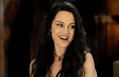 winterswake: Carla Gugino as Olivia Crain in The Haunting of. winterswake: Carla Gugino as Olivia Crain in The Haunting of Hill House Carla Gugino, House On Haunted Hill, House On A Hill, Pretty People, Beautiful People, Middle Aged Women, Shes Perfect, Badass Women, Role Models