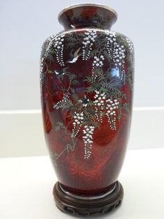 OnlineGalleries.com - ANDO JUBEI SILVER CLOISONNE VASE IN SILK LINED TOMOBAKO