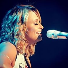 She'll sound like the twangy, badass angel she is. | 13 Things That Happen At A Miranda Lambert Concert