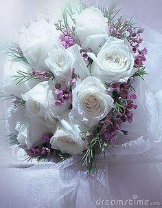 White roses by Yap Kee Chan, via Dreamstime