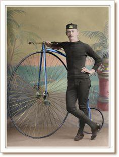 VAMOS DAR UMA VOLTA DE BICICLETA? - [b]como devia ser difícil andar nessas bicicletas! E cair então? Eu que já sofri vários acidentes com bicicletas com crtz já teria expirado o prazo de validade ________________________ Foto: Ciclista do time do Farthing Club Local: Inglaterra? Data: Início século XX ________________________________ Música de hoje, de 1967, Jimi Hendrix com [i]Fire[/i] http://www.youtube.com/watch?v=Nr8gCB0NIIY[/b] - Fotolog
