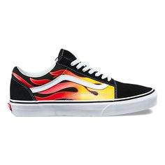 The Flame Old Skool, the Vans classic skate shoe and first to bare the iconic sidestripe, is a low top lace-up featuring printed canvas and suede uppers, re-enforced toecaps to withstand repeated wear, padded collars for support and flexibility, and signature rubber waffle outsoles.<br/>