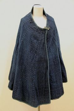 This beautiful vintage rain coat is made in late 19th or early 20th century in japan. It made of hand woven japanese kasuri textiles. All hand sewn, use of 16 panels. A nice collectors piece, to hang as textile art ,or it can be used as jacket. Dimensions :color to bottom edge 88cm(34,6in), Sleeve Edge to Edge Across Shoulders 220cm(86in) We ship our bags world wide from tokyo japan. Please allow 1-2 business days for order processing before shipment. ※ I sell it our web store, I am popul...
