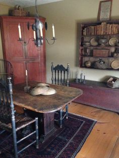 42 Ideas For Living Room Country Decor Sinks Country Decor, Decor, Primitive Homes, Primitive Decorating Country, Primitive Dining Rooms, Primitive Furniture, Home, Primitive Kitchen, Country Living Room