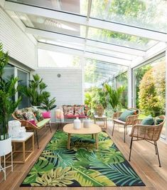 Patio 25 Cozy Sunroom Decor Ideas With Tropical Theme Interior Tropical, Tropical Patio, Tropical Home Decor, Tropical Houses, Tropical Outdoor Decor, Tropical House Design, Tropical Colors, Sunroom Decorating, Sunroom Ideas
