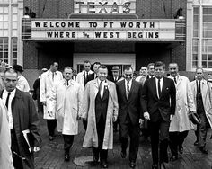 John F. Kennedy Leaves the Hotel Texas in Fort Worth on November 1963 - or Photo John F Kennedy, American Presidents, American History, Dallas, Kennedy Assassination, Memorial Hospital, Air Force Ones, Jfk, Fort Worth