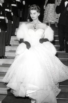 Sophia Loren - most iconic red carpet dresses of all time