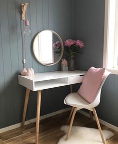 Home Decoration; Home Decoration; Home Design; Dressing Table Hacks, Built In Dressing Table, Dressing Table Organisation, Dressing Table Design, Bedroom Dressing Table, Dressing Table For Girls, Dressing Room, Brimnes Dressing Table, Corner Dressing Table
