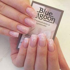 #nails #natural #nailstagtam #nailporn #valentinesday #valentinesdaynails #gelnails #geelikynnet #rakennekynnet #kynnet #kynnethelsinki #bluelagoonkynnet #bluelagoon #beauty #beautifulnails #kamppi #helsinki