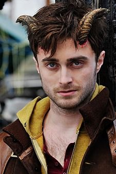 Daniel Radcliffe looks devious in first 'Horns' image
