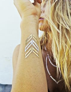 Fashion: Lo último en moda tatuajes temporales