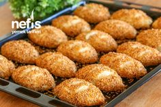 10 Dakikada Simit Poğaça Tarifi – Nefis Yemek Tarifleri Turkish Recipes, Ethnic Recipes, Cheesecake Brownies, Donuts, Cake Decorating Tips, Pizza, Pretzel Bites, Bakery, Food And Drink