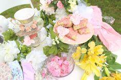Spring Garden Tea Party CLICK TO READ #tea #fashion #floral #party #diy #teaparty #diyteaparty #decor #decorations #treats #sweets #summer #spring #garden #gardenparty #gardenteaparty #howto #teapartydiys #teapartysnacks #vintage #girly #sundress #teapartyfashion #style #elegant #crafts #diys #pastel #flowers #picnic #vegan