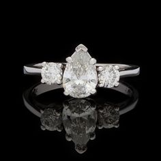 1.00ct Pear-Shaped Diamond Ring 14k White Gold