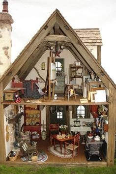 Tudor Rose Cottage by Connie Sauve Visit her sutterfly page and you see why this is an extra special house. Miniature Rooms, Miniature Crafts, Miniature Houses, Miniature Furniture, Dollhouse Furniture, Dollhouse Interiors, Fairy Houses, Play Houses, Doll Houses
