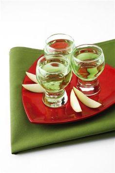 Big Apple Shot cocktail MakeMeACocktail.com 250/250 apple sour and brandy