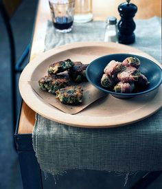 Australian Gourmet Traveller recipe for artichokes with prosciutto by Rosa Mitchell from Melbourne's Journal Canteen. Vegetarian Lunch, Vegetarian Recipes, Patties Recipe, Small Meals, Recipe Search, Chef Recipes, Prosciutto, Tray Bakes, Food Inspiration