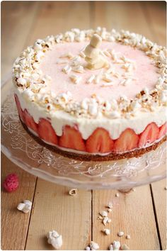 almond cake with lemon cream and strawberries