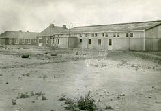Oostelijk Flevoland: Lelystad-Haven. Kantine in het personeelskamp.   Bron: Fotocollectie Nieuw Land, Dienst der Zuiderzeewerken.