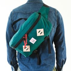 topo_designs_hip_pack_model