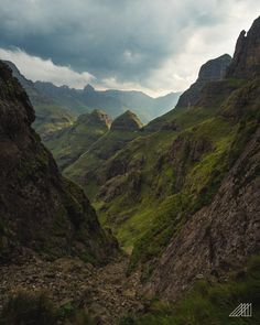The ultimate guide to hiking Drakensberg in South Africa on a budget - one of Africa's best adventure hikes! Wilderness South Africa, South Africa Safari, Cultural Experience, Travel Aesthetic, Africa Travel, Weekend Getaways, Backpacking, Camping, Travel Photography