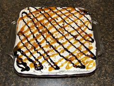 -This doubles easily for a crowd! 2 boxes of ice cream sandwiches, 1 large conta… -This doubles easily for a crowd! 2 boxes of ice cream sandwiches, 1 large conta… Ice Cream Desserts, Köstliche Desserts, Frozen Desserts, Frozen Treats, Dessert Recipes, Cool Whip, Sandwiches, Butterfinger Ice Cream, Butter Finger Dessert