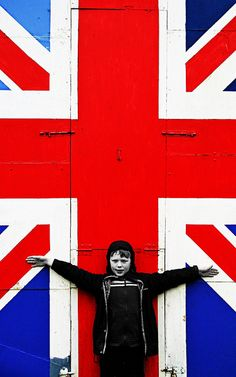 I feel on top of the world. Ok, maybe not, But I am sure inspired by the Union Jack #pearllang #beBritish