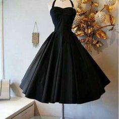 vestido preto delicado