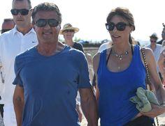 El protagonista de las sagas de 'Rambo' y 'Rocky', y recientemente de 'Los Mercenarios', Sylvester Stallone, de 69 años, se encuentra de vacaciones en la costa francesa con su mujer, la modelo y